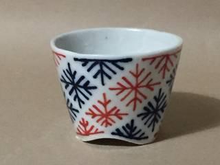 092 磁器染付酒杯: 百々堂 磁器製造所 DoDoDo Porcelain Manufactureが手掛けたです。