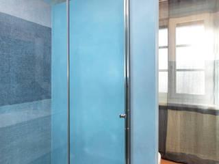 Bathroom by architetto roberta castelli