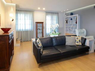 Salon moderne par architetto roberta castelli Moderne