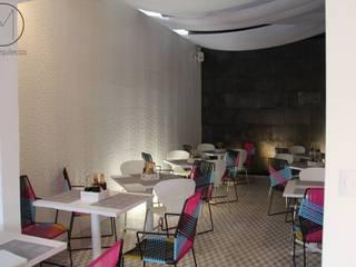 EL OTRO MAR: Restaurantes de estilo  por LOM & WOODEN SA DE CV