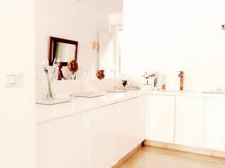 Modern kitchen by Buildesign Modern