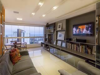 Residência T|R: Salas multimídia  por VZ Arquitetas,Moderno