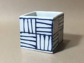 115 磁器染付酒杯 sakecup: 百々堂 磁器製造所 DoDoDo Porcelain Manufactureが手掛けたです。