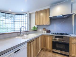 株式会社コリーナ Eclectic style kitchen Solid Wood