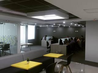 CUBICUS WORKSPACES: Edificios de oficinas de estilo  por Gedco SAS