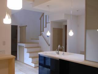 Kitchen by 株式会社 atelier waon, Scandinavian