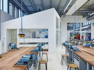 Lehrwerkstatt:  Bürogebäude von ZENON CONCEPT GmbH