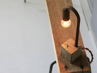 gaitou-lamp tō: Tetsu Mokuが手掛けたミニマリストです。,ミニマル