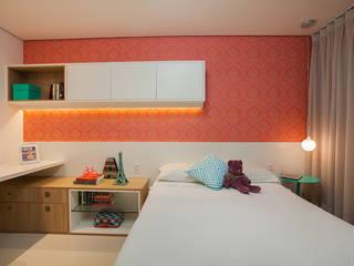 Apartamento A&R Quarto infantil eclético por Casa2640 Eclético