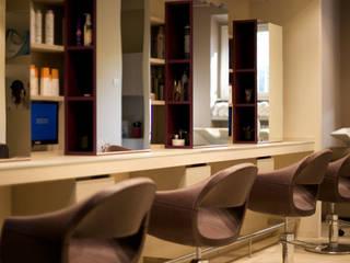 zona lavoro stile: Negozi & Locali commerciali in stile  di Elsa Campolucci Architetto