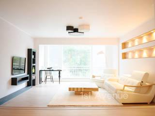 따뜻함이 가득한 홈카페 인테리어 : 퍼스트애비뉴의  거실,모던