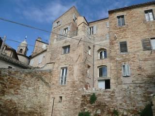 Palazzo Scarsini Case in stile mediterraneo di Ing. Vitale Grisostomi Travaglini Mediterraneo