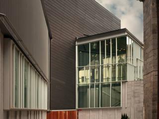 Modern Houses by asieracuriola arquitectos en San Sebastian Modern