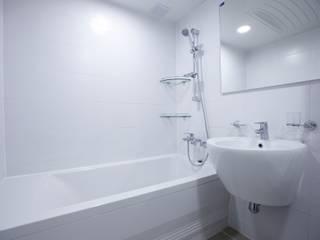 천호동 우정 아파트 리모델링 : DESIGNSTUDIO LIM_디자인스튜디오 림의  욕실