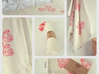 Textiles:  de estilo  por Hagakure Hogar