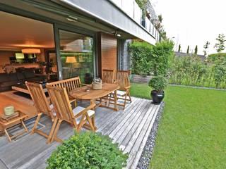 Kerim Çarmıklı İç Mimarlık Balcone, Veranda & Terrazza in stile moderno