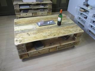Großer Couchtisch mit Schubladen: industriell  von Woodupcycling,Industrial