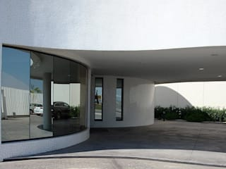 Trencadis Innovacion SL Case in stile minimalista Ceramica Bianco