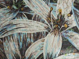 Фрагмент мозаичного панно «Белые лилии»:  в . Автор – Мастерская художественной мозаики 'SMALTO'