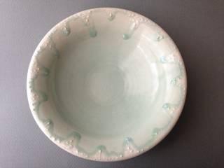 Bowls and Plates: 佐藤美季が手掛けた折衷的なです。,オリジナル