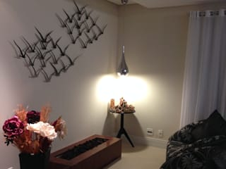 Sala da lareira e leitura Salas de estar modernas por Laura Picoli Moderno
