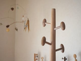コートハンガー Coat hanger: アトリエつみき屋が手掛けたです。