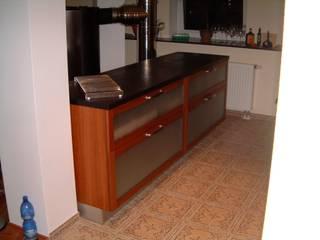Küche mit Schiefer- Arbeitsplatte: klassische Küche von Test1