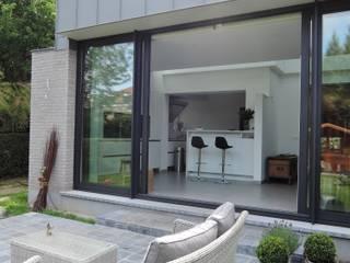 Extension d'une maison à Bruxelles Woluwe ARTERRA Maisons modernes Aluminium/Zinc Gris