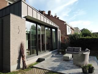 Extension d'une maison à Bruxelles Woluwe ARTERRA Balcon, Veranda & Terrasse minimalistes