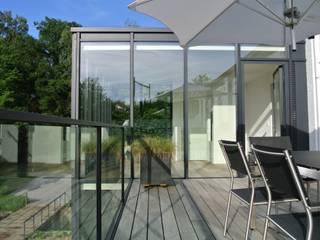 Tour vitrée ARTERRA Balcon, Veranda & Terrasse minimalistes Bois Gris