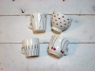 絵付けを施した磁器の器たちです。: 山本製陶所が手掛けた折衷的なです。,オリジナル