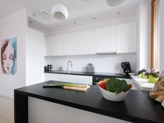 Moderne Küchen von ZAWICKA-ID Projektowanie wnętrz Modern
