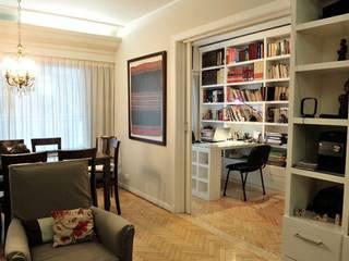 CAPITAL V Classic style study/office by Radrizzani Rioja Arquitectos Classic