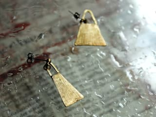 Earrings: Hiroshi NOMOTOが手掛けた現代のです。,モダン