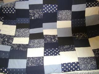blau-weiße Patchworkdecke:   von schneiderei jerke