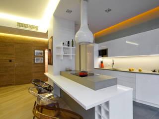 Apartament na Powiślu Nowoczesna kuchnia od ZAWICKA-ID Projektowanie wnętrz Nowoczesny