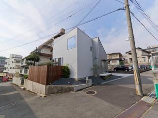 富雄の家 オリジナルな 家 の carve.建築設計 オリジナル