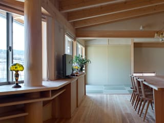 Ruang Keluarga Gaya Eklektik Oleh 大森建築設計室 Eklektik Kayu Wood effect