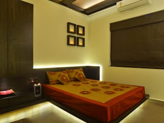 RUST the design studio Modern style bedroom Wood Brown