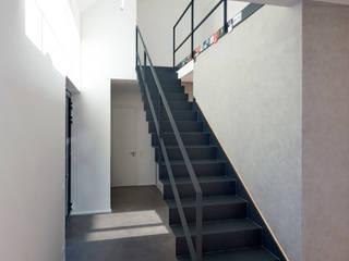 Haus F+H:  Flur & Diele von SCHAMP & SCHMALÖER