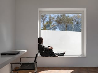 Living room by MARLENE ULDSCHMIDT, Modern