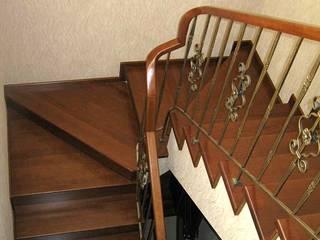Лестница на заказ, массив дерева: Прихожая, коридор и лестницы в . Автор – Ника-Фаворит