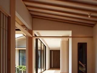 数寄屋の精神が息づく家 モダンスタイルの 玄関&廊下&階段 の 株式会社蔵持ハウジング モダン