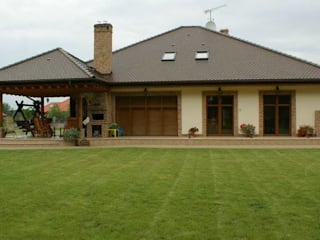 Dom Seweryna G2 - zachwycający styl, piękne wole oczy i komfortowa przestrzeń możliwości! Klasyczne domy od Pracownia Projektowa ARCHIPELAG Klasyczny