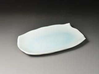 青白磁変形四方取皿: 陶房上牧野が手掛けた折衷的なです。,オリジナル