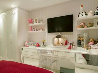 Dormitorios infantiles de estilo clásico de Karla Silva Designer de Interiores Clásico