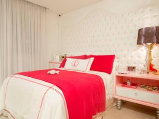 Nursery/kid's room by Karla Silva Designer de Interiores, Classic
