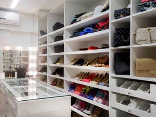 Closets modernos por Karla Silva Designer de Interiores