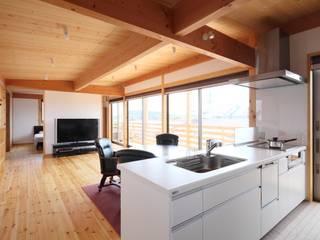 ห้องครัว โดย 三宅和彦/ミヤケ設計事務所, คันทรี่