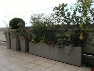 Attico a Bologna Giardino moderno di I Giardini di Anna Moderno